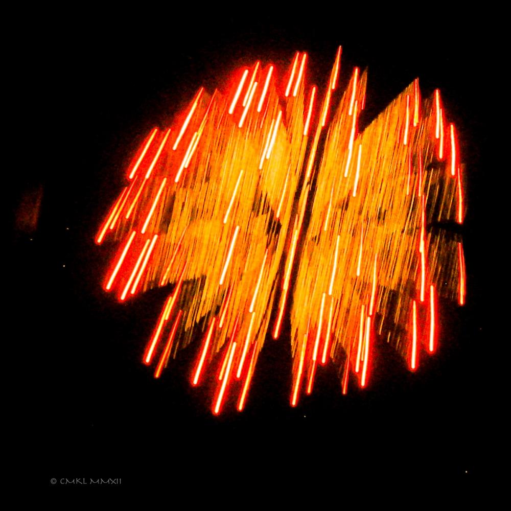 399d7-fireworks03-lr-3192