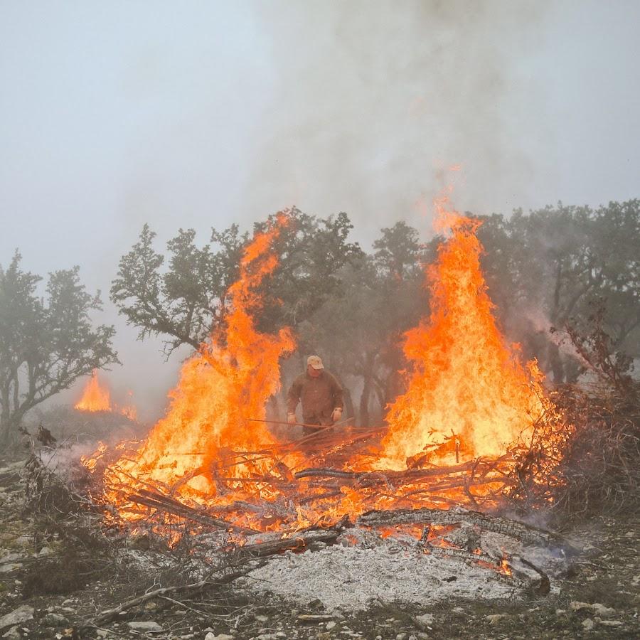 3abe4-bonfire-05-1210428