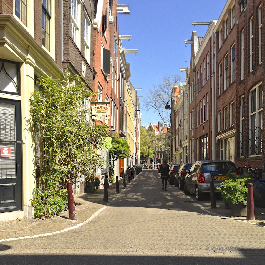 All is quiet just a half block off the busy gracht