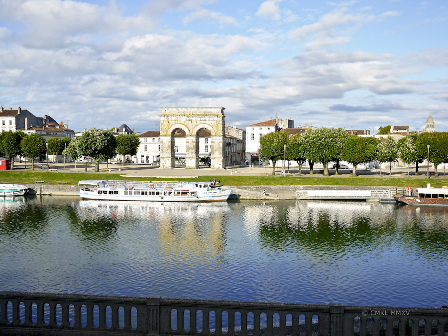 Saintes.Arch.Summer.2015-1350775