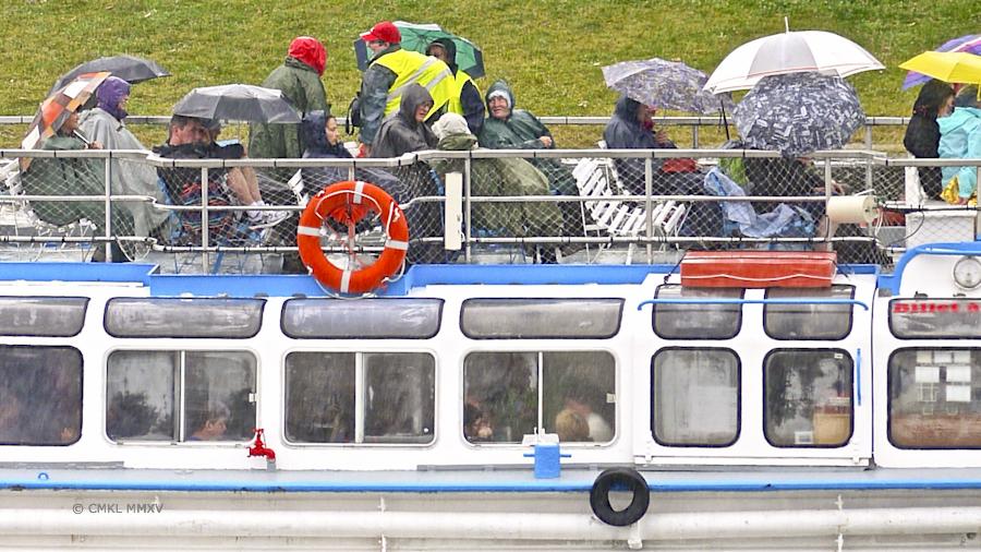Tourists.04-1360386