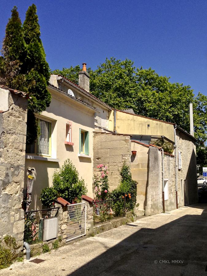 Walk.Saintes.03-1106