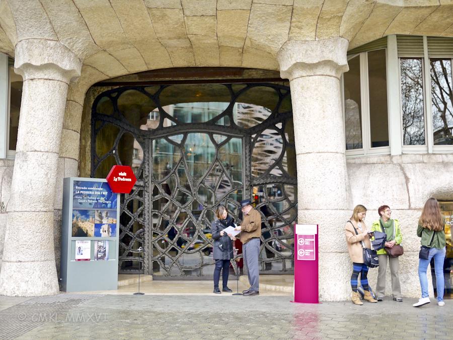 Barcelona.CasaMila.03-1470668.jpg