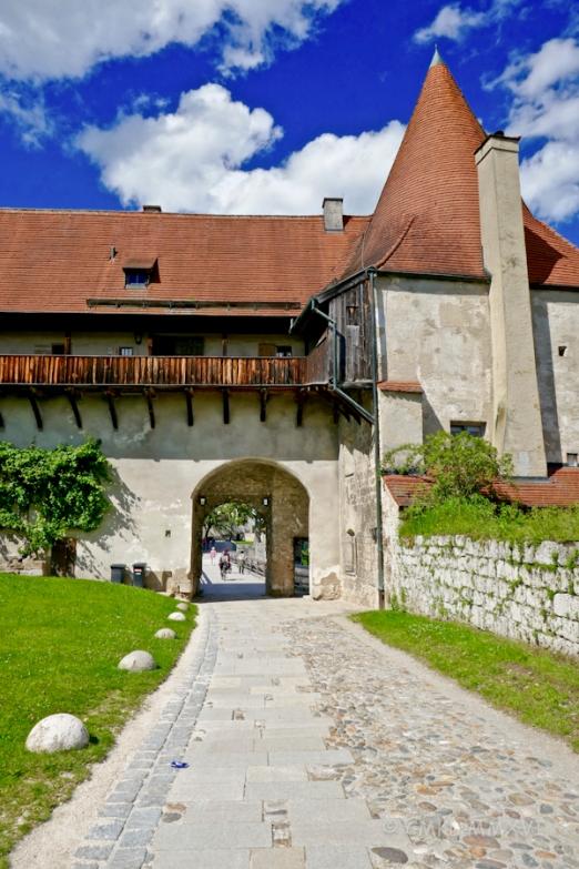 BurgHausen.Arrival.06-1000535