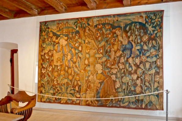 To add some warmth to the cold stone walls, many tapestries were hung in the family apartments.