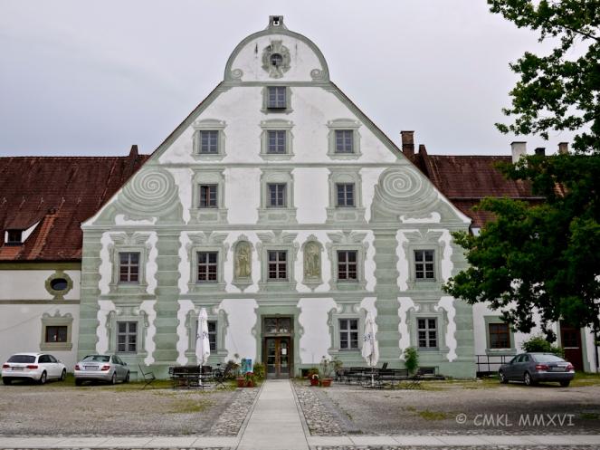 Architectural trompe l'œil frescoed façade