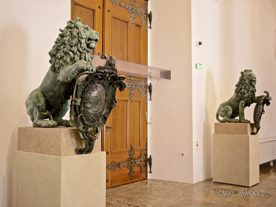 Munich.Exchange-Bronzes