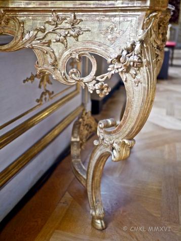 A gorgeous, delicate yet voluptuous Rococo console table, original piece.
