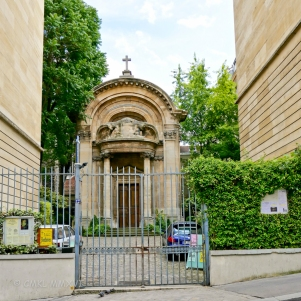http://www.paris.catholique.fr/saint-ephrem-des-syriaques.html