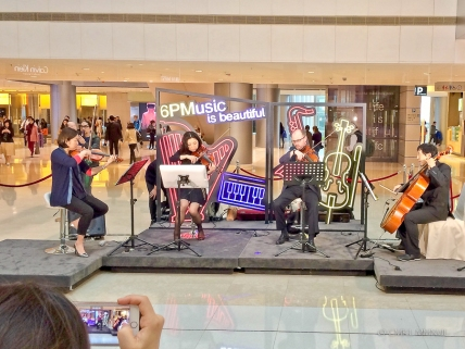 Life chamber music in the mall