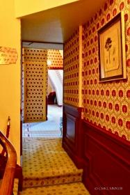 ... hallway labyrinth ...