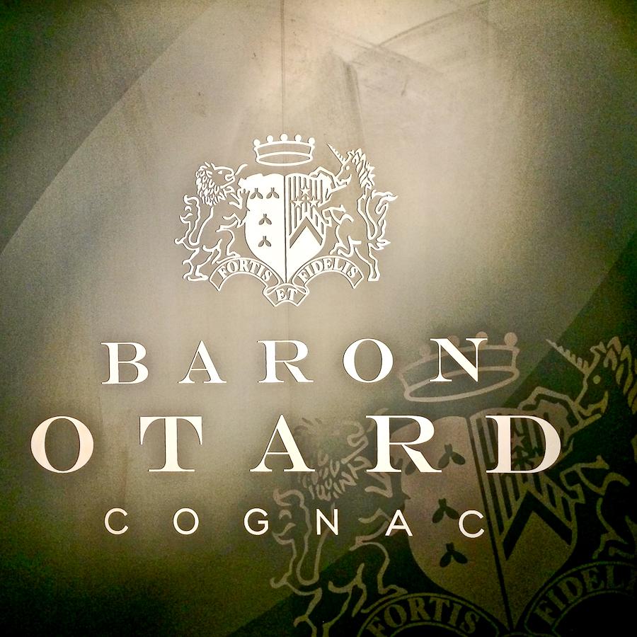 Baron.Otard.34C-1215