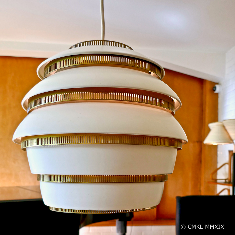 """Beehive"" pendant lampe A331, 1953"